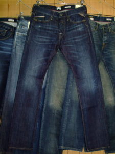 REPLAY WAITOM SLIM DARK BLUE MID RINSE REGULAR SLIM