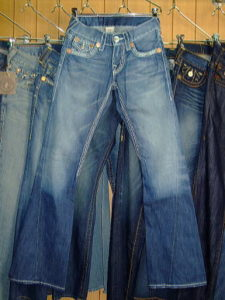 TRUE RELIGION JOEY BIG T WITH SUPER T STYLE:24803NB3J COLOR:2Q-CHELSEY