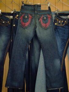 TRUE RELIGION BILLY RED PAINTED STYLE:M242301H5 COLOR:2U-THE DUDE