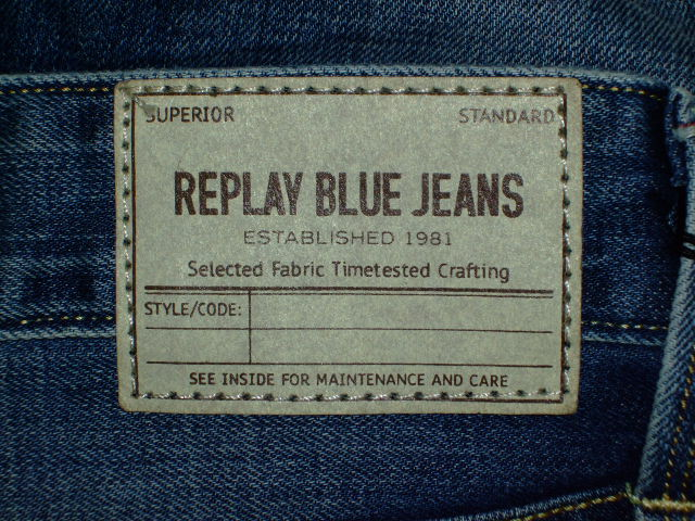 REPLAY WAITOM REGULAR SLIM FIT JEANS STRAIGHT JEANS